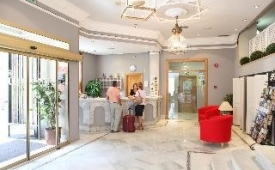 Oferta Viaje Hotel Escapada Doña Blanca + Surf en Cádiz dos hora / día