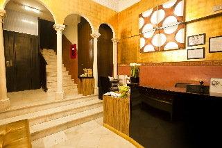 Oferta Viaje Hotel Escapada Room Mate Leo + Forfait  Sierra Nevada