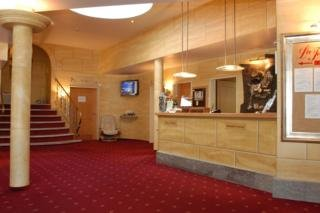 Oferta Viaje Hotel Escapada Turmhotel Victoria + Forfait  Davos-Klosters