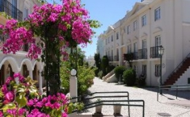 Oferta Viaje Hotel Apartamentos Old Village + Entradas Aquashow Park
