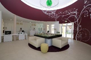 Oferta Viaje Hotel Eden Resort + Entradas Zoomarine Parque temático 2 días