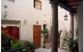 Oferta Viaje Hotel Escapada Abililla + Visita Alhambra y Granada con audioguía 48h