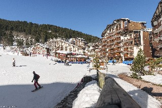 Oferta Viaje Hotel Escapada Residence Pierre et Vacances Le Britania + Forfait  tres Vales