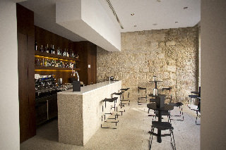 Oferta Viaje Hotel Escapada Hotel Carris Porto Ribeira + Tour nocturno en Oporto + Música Fado