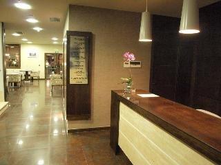 Oferta Viaje Hotel Escapada Dinastia Hotel + Entradas dos días sucesivos Warner