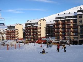 Oferta Viaje Hotel Escapada Paradise Blanc tres mil + Entradas Circo del Sol Scalada