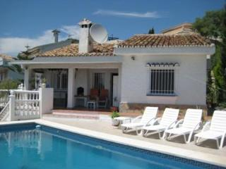 Oferta Viaje Hotel Escapada Villa Jimena + Entradas Paquete Selwo (SelwoAventura, Teleférico, Selwo Marina Delfinarium)
