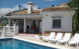 Oferta Viaje Hotel Escapada Villa Jimena + Entradas General Selwo Aventura Estepona