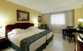 Oferta Viaje Hotel Escapada Auditorium la villa de Madrid + Entradas dos días sucesivos Warner con 1 día Warner Beach