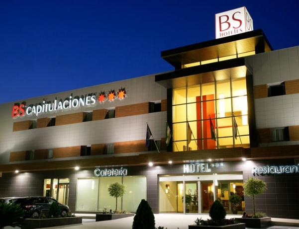 Oferta Viaje Hotel Escapada HOTEL BS CAPITULACIONES + Forfait  Sierra Nevada