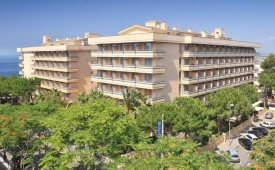Oferta Viaje Hotel Escapada 4R Playa Park + Entradas PortAventura tres días dos parques