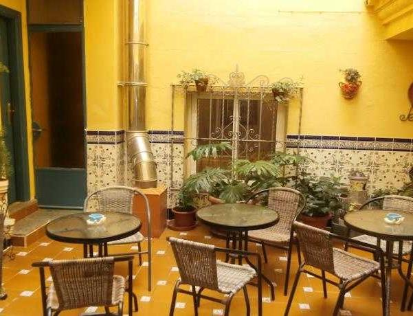 Oferta Viaje Hotel Escapada Abur + Entradas General Selwo Marina Delfinarium Benalmádena