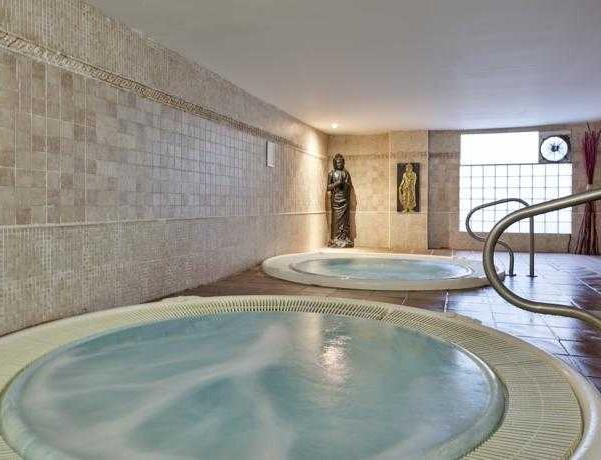 Oferta Viaje Hotel Escapada Best Benalmadena + Entradas Bioparc de Fuengirola