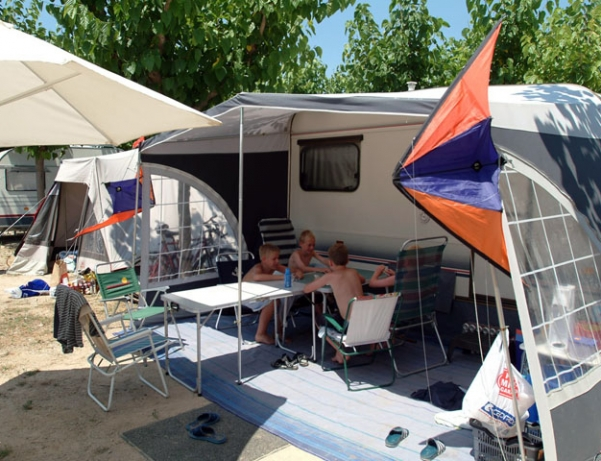 Oferta Viaje Hotel Escapada Campin Vendrell Platja + Entradas Circo del Sol Amaluna - Nivel dos
