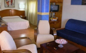 Oferta Viaje Hotel Escapada Benidorm Centre + Entradas Terra Mítica 1 día+ Entradas Planeta Mar 1 día