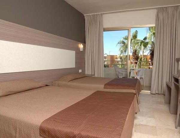 Oferta Viaje Hotel Escapada H10 Cambrils Playa + Entradas Costa Caribe 1 día