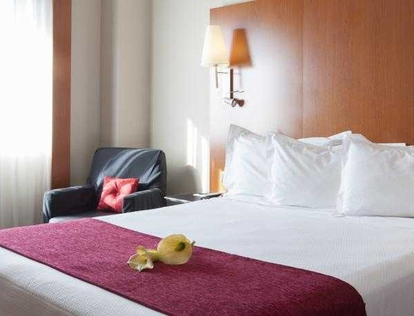 Oferta Viaje Hotel Hotel Sercotel Ab Arganda + Entradas 2 días consecutivos Warner con 1 día Warner Beach