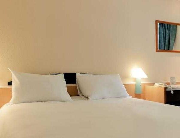 Oferta Viaje Hotel Escapada Hotel Ibis Getafe + Entradas dos días sucesivos Warner