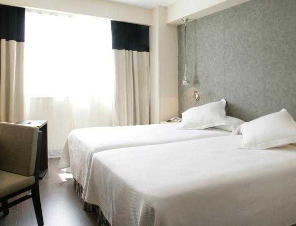 Oferta Viaje Hotel Escapada NH Alcorcon + Entradas Parque de Atracciones
