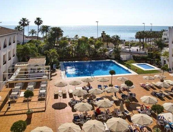 Oferta Viaje Hotel Escapada Mac Puerto Marina Benalmadena + Entradas Paquete Selwo (SelwoAventura, Teleférico, Selwo Marina Delfinarium)