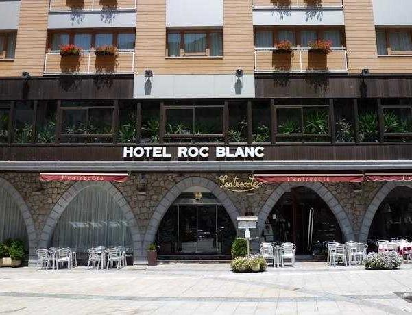 Oferta Viaje Hotel Escapada Hotel Roc Blanc + Entradas Caldea + Espectáculo Sensoria - (veinte-veintiuno)