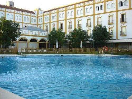 Oferta Viaje Hotel Hotel Solucar + Ruta por Catedral e Iglesia del Salvador