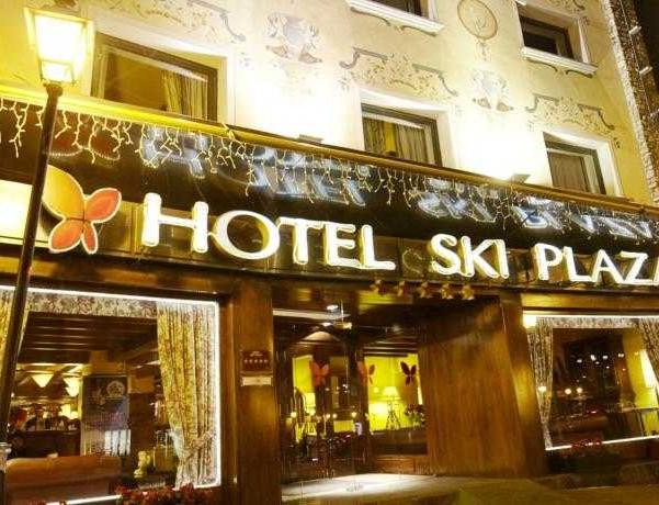 Oferta Viaje Hotel Escapada Ski Plaza + Entrada dos días Naturlandia + P. Animales