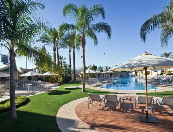 Oferta Viaje Hotel Escapada Barcelo Estepona Thalasso Spa + Entradas General Selwo Aventura Estepona