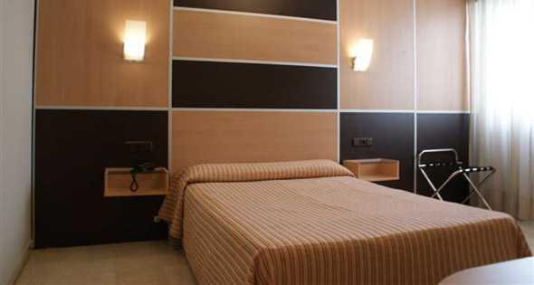 Oferta Viaje Hotel Escapada Hotel Universal + Visita Alhambra con guía