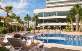 Oferta Viaje Hotel Escapada AR Diamante Beach + Acceso al Spa + Masaje quince Min