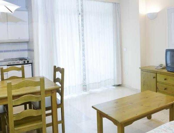 Oferta Viaje Hotel Escapada Aguamarina + Entradas General Selwo Marina Delfinarium Benalmádena