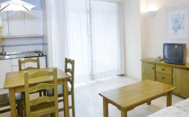 Oferta Viaje Hotel Aguamarina + Entradas Pack Selwo (SelwoAventura, Teleférico, Selwo Marina Delfinarium)