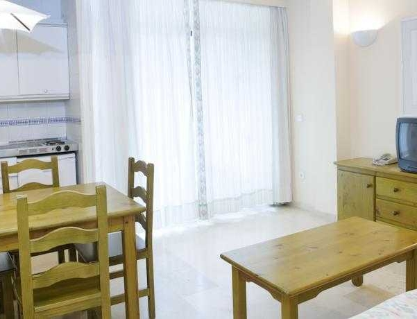Oferta Viaje Hotel Escapada Aguamarina + Entradas Paquete Selwo (SelwoAventura, Teleférico, Selwo Marina Delfinarium)