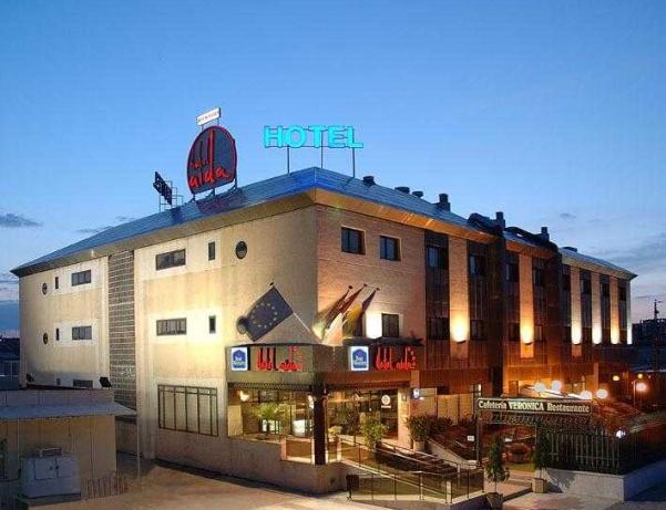 Oferta Viaje Hotel Escapada Hotel Aida + Entradas dos días sucesivos Warner