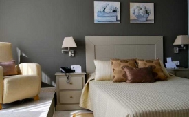 Oferta Viaje Hotel Escapada ALEXANDRA APARTHOTEL + Entradas PortAventura 1 día