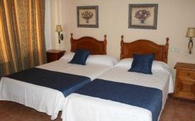 Oferta Viaje Hotel Escapada Arcos de Montemar + Entradas General Selwo Aventura Estepona