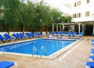 Oferta Viaje Hotel Escapada Pisos Arcos Playa + Entradas a Naturaleza Parc