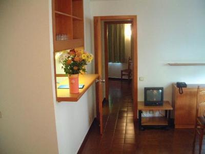 Oferta Viaje Hotel Escapada Universo Apartments + Entradas Caldea + Espectáculo Mito Acuario  + Cena