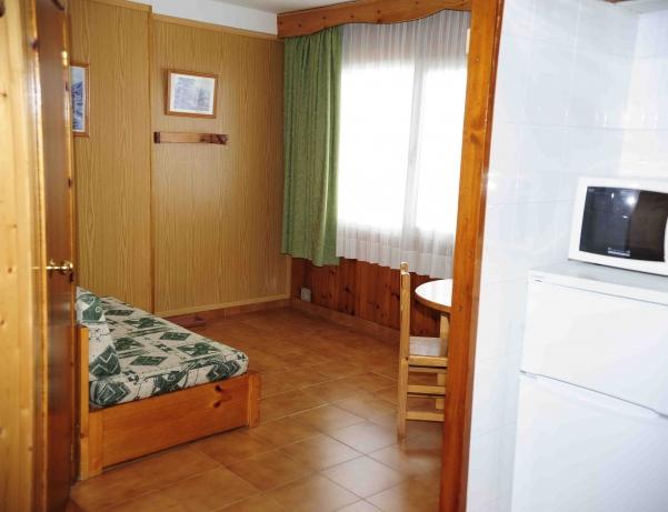 Oferta Viaje Hotel Escapada Pie de Pistas tres mil pisos + Visita Bodegas Borda Sabaté mil novecientos cuarenta y cuatro