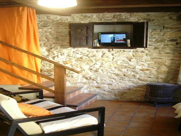 Oferta Viaje Hotel Escapada Pisos Valdelinares + Entradas 1 día Dinópolis + Legendark