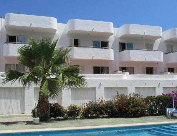 Oferta Viaje Hotel Escapada Pisos Diana + Visita a Bodega Celler Ramanya