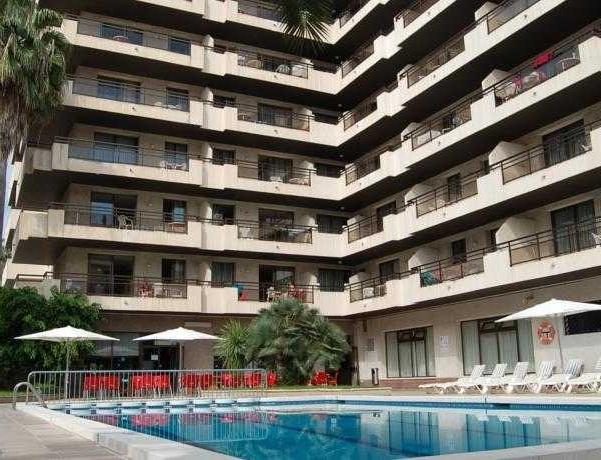 Oferta Viaje Hotel Escapada Pisos Cye Salou + Entradas PortAventura tres días dos parques