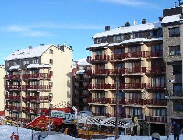 Oferta Viaje Hotel Apartamentos Varios Pas 3000 + Entradas Circo del Sol Scalada