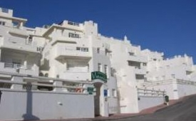 Oferta Viaje Hotel Aparthotel Vistamar + Entradas a Parque Oasys Mini Hollywood