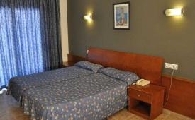 Oferta Viaje Hotel Escapada Atenea + Entradas Terra Mítica 1 día