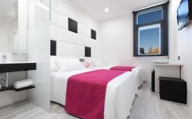 Oferta Viaje Hotel Escapada Avenida de España + Entradas dos días sucesivos Warner