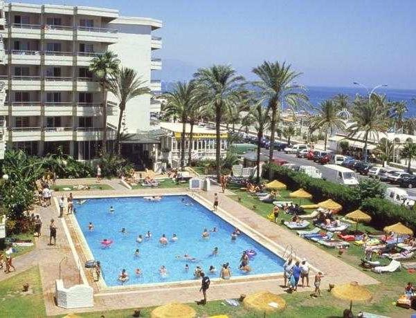 Oferta Viaje Hotel Escapada Pisos Bajondillo + Entradas General Selwo Aventura Estepona