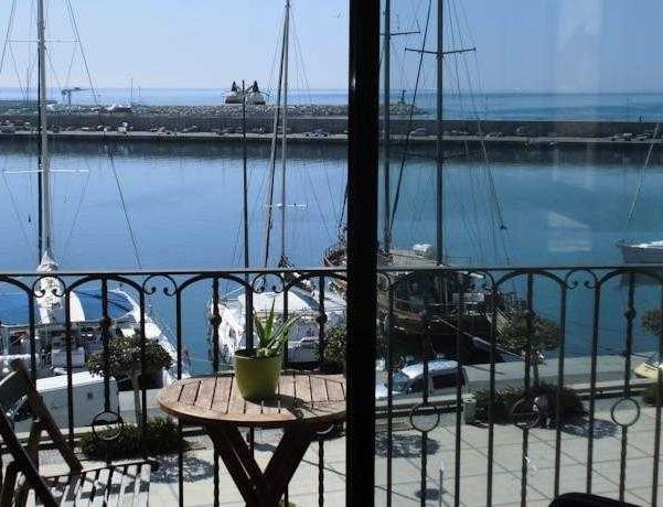 Oferta Viaje Hotel Escapada Rentalmar Pisos Miramar + Entradas Costa Caribe 1 día
