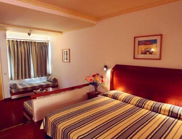 Oferta Viaje Hotel Escapada Baia Cristal Beach & Spa Complejo turístico + Entradas Zoomarine Parque temático dos días