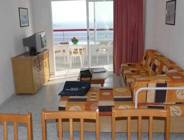 Oferta Viaje Hotel Escapada Benibeach Pisos + Entradas Terra Mítica dos días